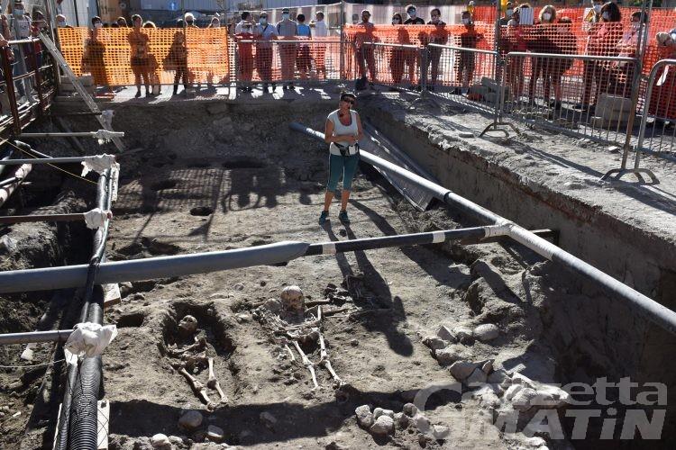 Aosta: gli scavi archeologici di piazza della Cattedrale svelano nuovi frammenti di storia