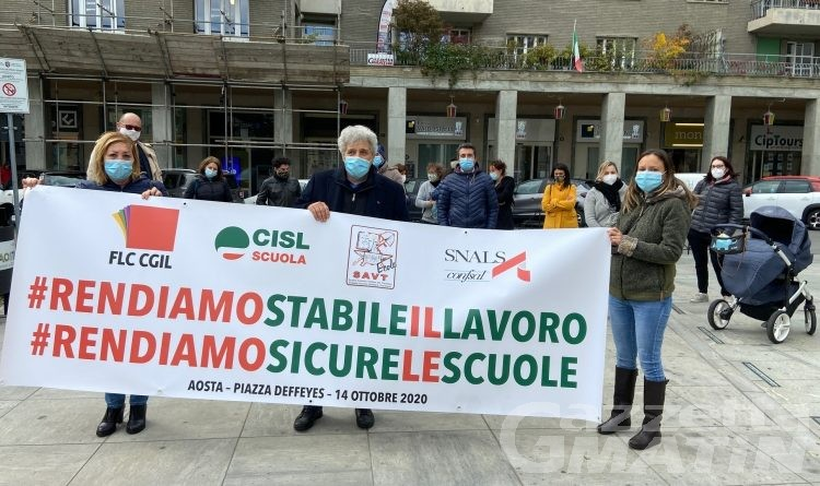 Sindacati della scuola in piazza contro il decreto Sostegni bis