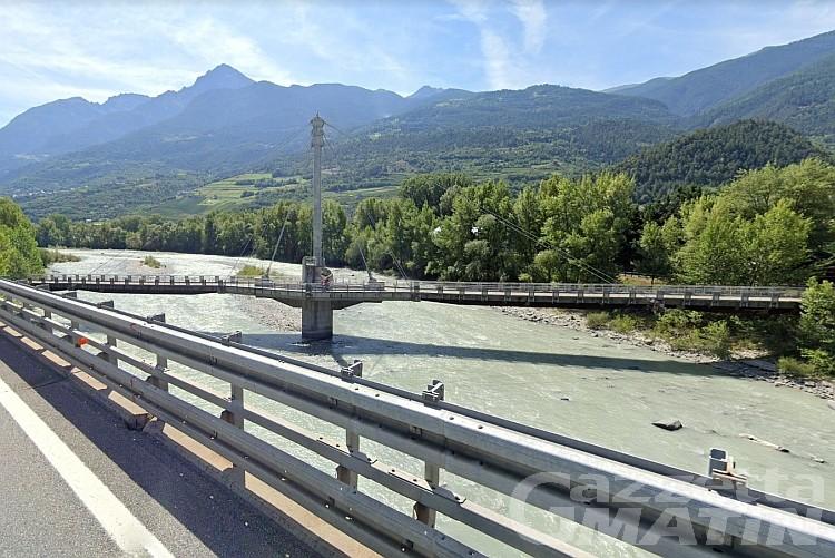 Pista ciclabile: la passerella tra Aosta e Gressan si rifà il trucco