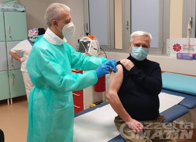 Vaccino anti Covid: in Valle d'Aosta sospesa la somministrazione