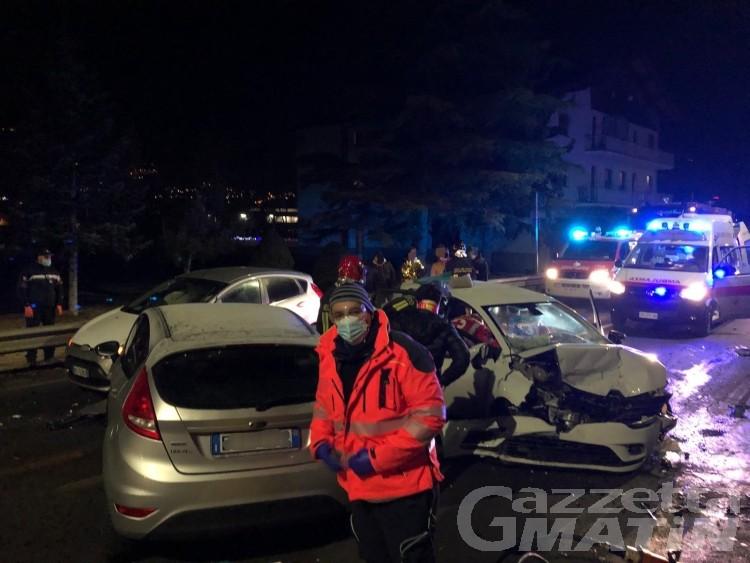 Incidente stradale a Gressan: una 26enne finisce in rianimazione
