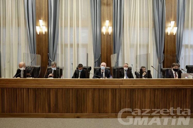 Uv: il gruppo consiliare chiede a Follien di ritirare le dimissioni