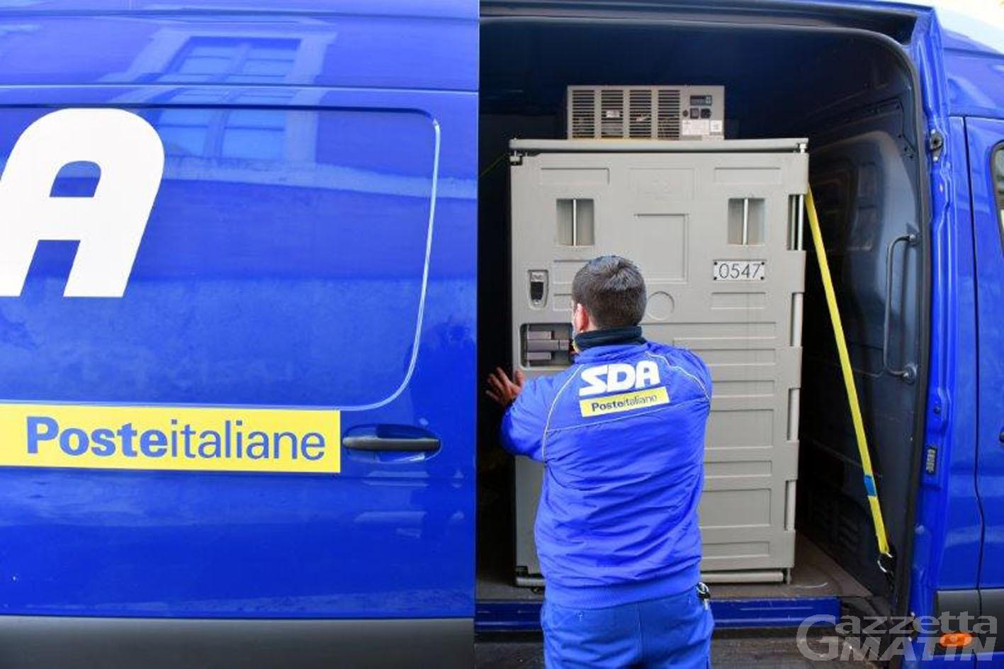 Vaccini:  Poste italiane consegna all'Ospedale Parini di Aosta 900 dosi di Astra-Zeneca