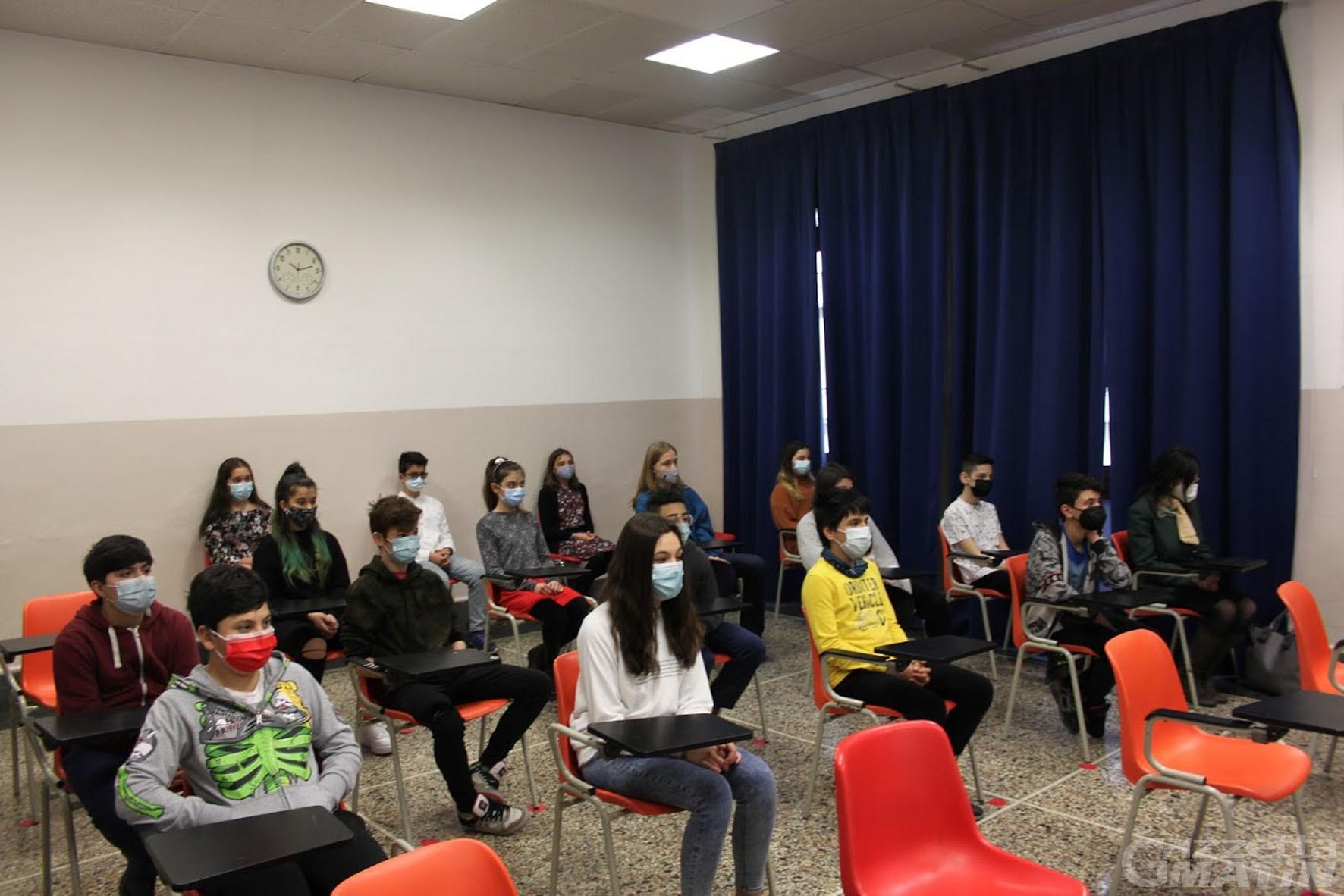 Scuola: da Autostrade per l'Italia 20 tablet all'Istituto San Francesco di Aosta