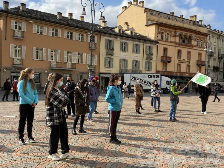 Fridays for Future: studenti in piazza per chiedere giustizia climatica