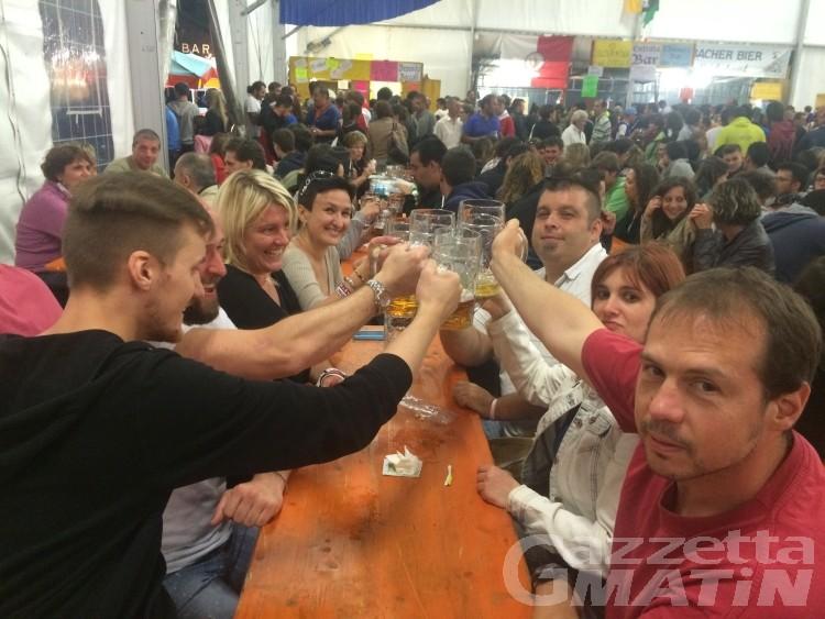 Bierfest, la festa della birra di Gressoney alza bandiera bianca