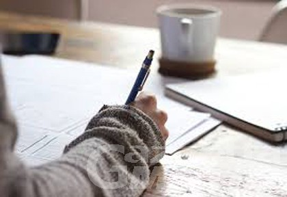 Scuola: approvati i criteri per l'assegnazione di borse di studio