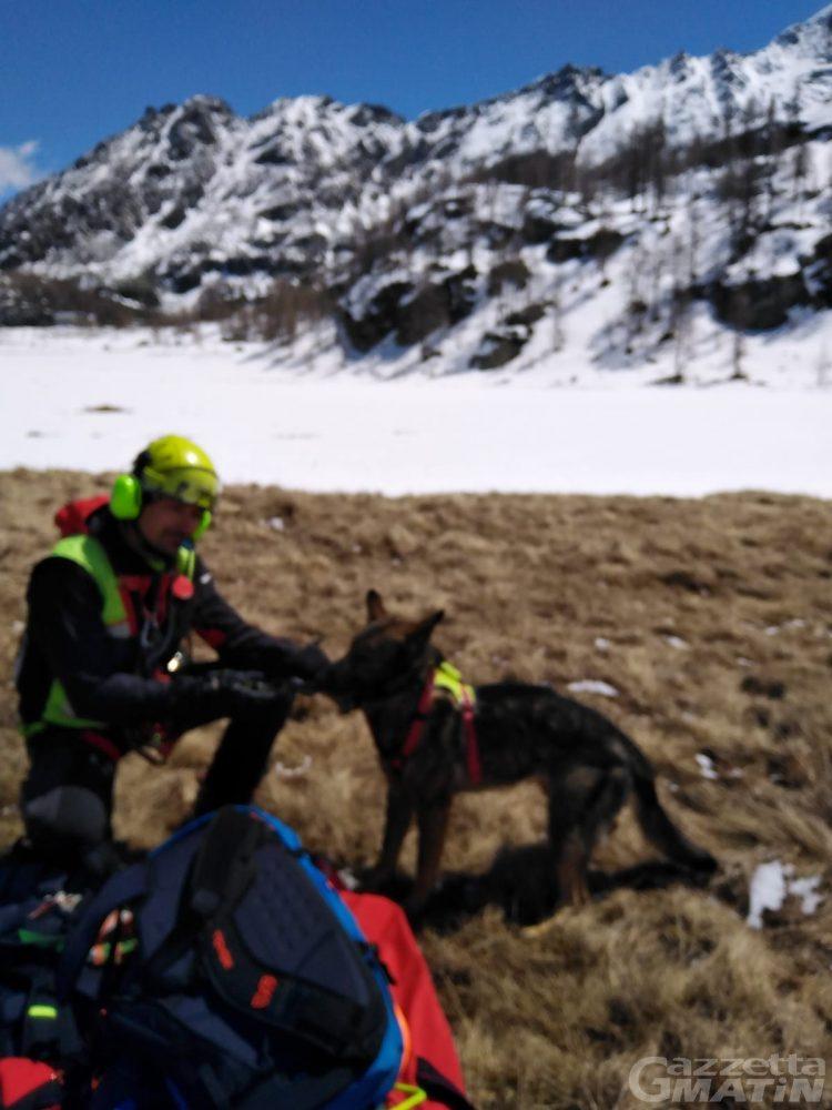 Incidenti di montagna: valanga sul Gran Paradiso travolge un alpinista